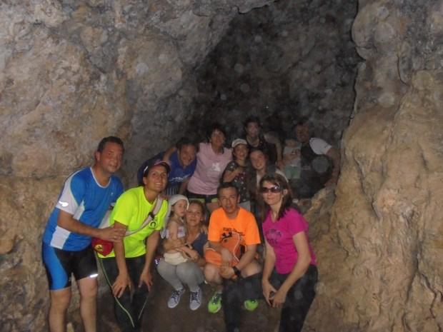 Cueva natural en el Cerro de la Raja 1 - Asociacion de Vecinos de Sierra - vecinosdesierra