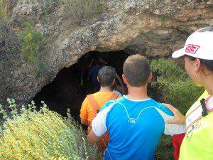 Cueva natural en el Cerro de la Raja 2 - Asociacion de Vecinos de Sierra - vecinosdesierra